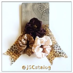 🧡NEW Set of 3 BROWN & GOLD Satin Scrunchies